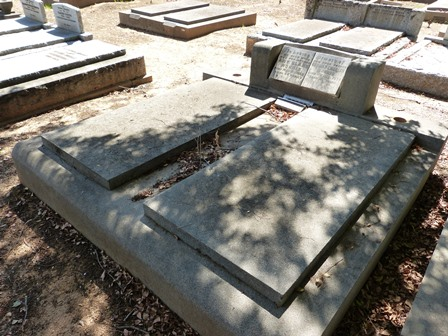 Toms Grave at Corowa