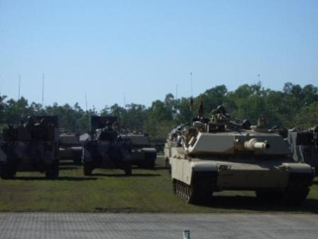 Leopard - Abrahams handover parade 1st Armoured Regiment